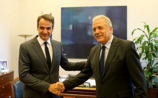 mitsotakis-to-receive-commissioner-avramopoulos-for-talks-on-migraton