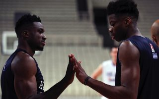 antetokounmpo-bros-train-ahead-of-china-s-world-cup