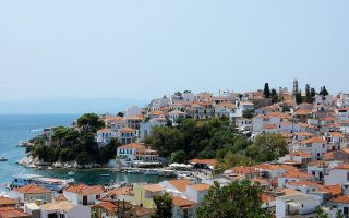 electricity-restored-to-skiathos-after-power-cut