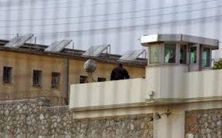 korydallos-prison-security-guard-commits-suicide