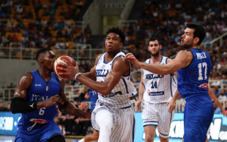 antetokounmpo-shines-in-match-against-italy-in-athens