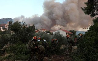 fire-rages-on-evia-threat-to-people-averted