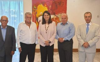 kerameus-discusses-education-issues-with-greek-jewish-board