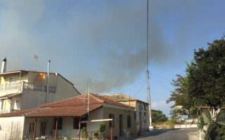 two-villages-evacuated-in-corfu-as-blaze-approaches-houses