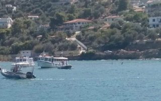 helicopter-crashes-in-sea-off-poros
