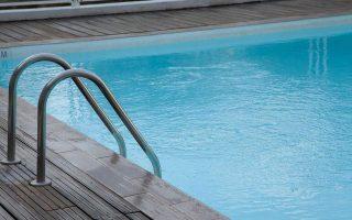 two-teenage-sisters-drown-in-rhodes-hotel-pool