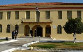 four-convicts-break-out-of-peloponnese-prison