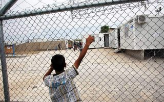 unicef-sounds-alarm-over-lone-migrant-minors-in-greece