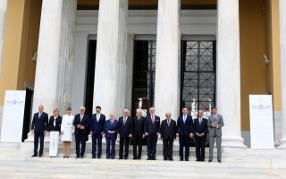 leaders-vow-to-continue-defending-european-unification