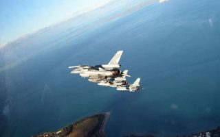 greek-jets-fly-over-larnaca-in-joint-military-drill