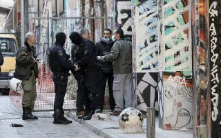 greek-police-evict-migrants-from-exarchia-squats