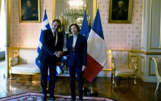 greek-minister-signs-statement-of-intent-for-acquisition-of-two-french-frigates