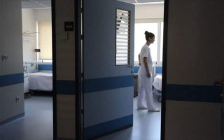 greek-health-minister-announces-hiring-of-800-new-doctors