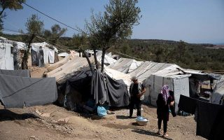 moria-migrant-camp-on-lesvos-breaks-new-record-with-nearly-14-000-residents0