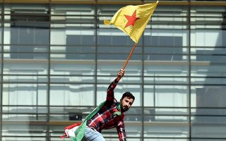 kurds-in-greece-protest-turkish-operation-in-syria