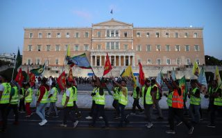 kurds-march-in-athens-against-turkish-offensive-in-syria
