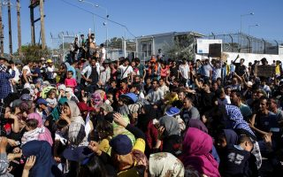 moria-is-hell-asylum-seekers-protest-conditions-at-greek-camp0