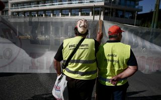 greek-unions-rail-against-business-rules-overhaul