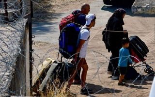 around-500-refugees-migrants-transferred-from-symi