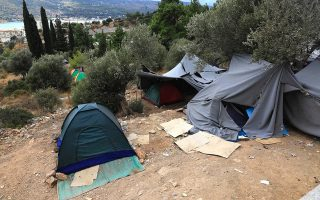 no-letup-in-migrant-arrivals-a-week-after-fire-at-hotspot