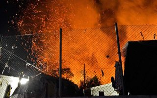 samos-mayor-warns-island-at-breaking-point-after-migrant-camp-fire