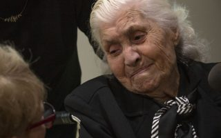 in-fading-ritual-wwii-rescuer-reunites-with-jews-she-saved