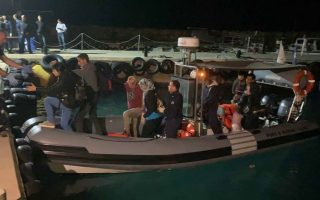 cyprus-rescues-120-syrian-migrants-aboard-boat