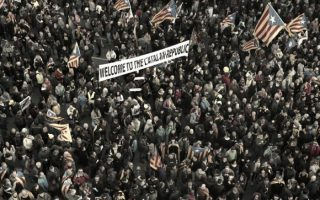 catalan-divisions-could-lead-to-sectarian-violence-warns-spanish-professor-in-athens