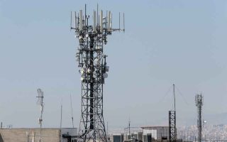 greece-caught-in-us-china-conflict-on-5g
