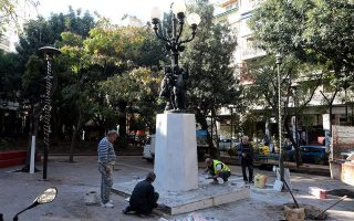 downtown-exarchia-square-given-christmas-facelift