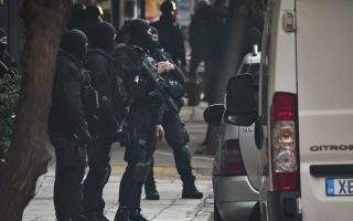 police-raids-in-exarchia-avert-violence-after-rally