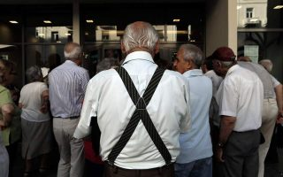 greek-pensioners-to-demand-more-dues-retroactively
