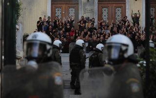 greek-police-clash-with-students-protesting-against-university-shutdown