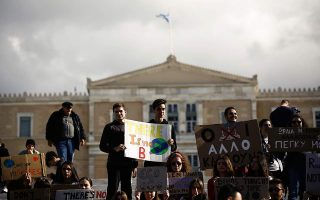 climate-change-rally-held-in-front-of-parliament-ahead-of-un-conference