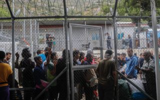 migration-plan-foresees-new-restrictive-facilities-on-islands-closure-of-moria-camp