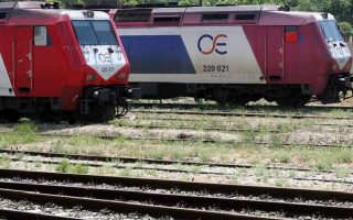 man-dies-after-being-hit-by-train-near-soufli
