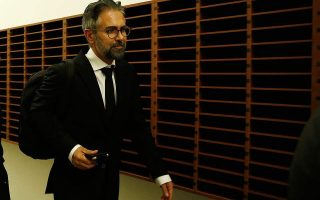 former-novartis-executive-claims-to-have-met-top-syriza-officials
