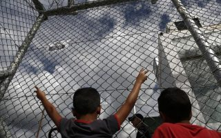 watchdog-hrw-urges-gov-t-to-move-migrant-children-to-safety0
