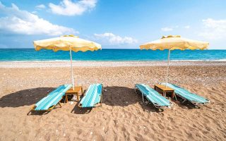 greek-beaches-awarded-second-highest-number-of-blue-flags