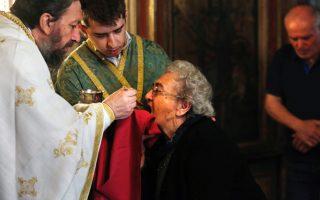 communion-ritual-unchanged-in-orthodox-church-despite-virus