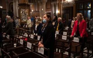 churches-hold-easter-service-with-physical-distancing-rules0