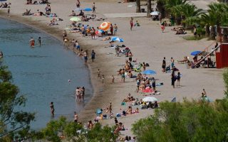 youths-detained-in-thessaloniki-after-beach-punch-up