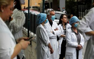 hospital-workers-demanding-icu-beds-and-covid-19-tests