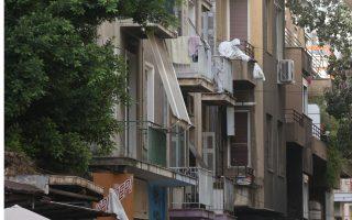 police-evacuate-migrant-squat-in-exarchia
