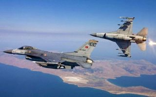 turkish-fighter-jets-fly-over-aegean-islets