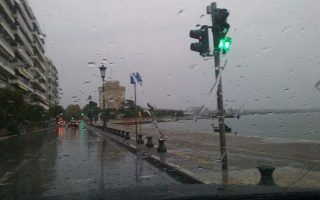 flooding-reported-as-thessaloniki-hit-by-wet-weather