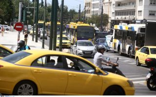 bottlenecks-in-athens-from-protest-rally-public-works