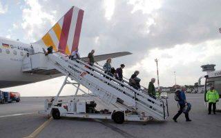 coronavirus-checks-to-be-conducted-according-to-airport-not-country