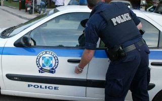 police-precinct-in-northern-athens-targeted-with-petrol-bombs