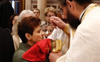 ecumenical-patriarchate-recommends-multiple-spoons-for-communion